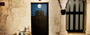 C'è Federico II sulla porta, la street art omaggia la storia